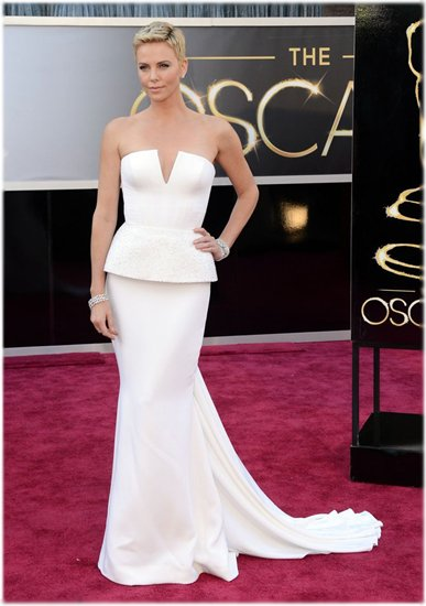 Платье Шарлиз Терон от Dior на «Оскаре 2013» 9045d2ba276