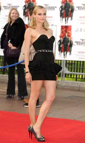 58b65e69046 Диана Крюгер в коротком черном платье