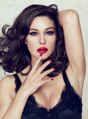 Фотки знаменитых женщин брюнеток
